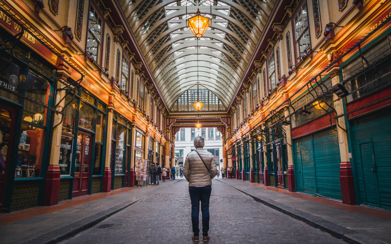 AWAYN IMAGE Stroll around the Leadenhall Market