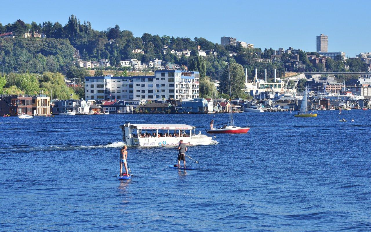 AWAYN IMAGE Kayak or Paddle Lake Union