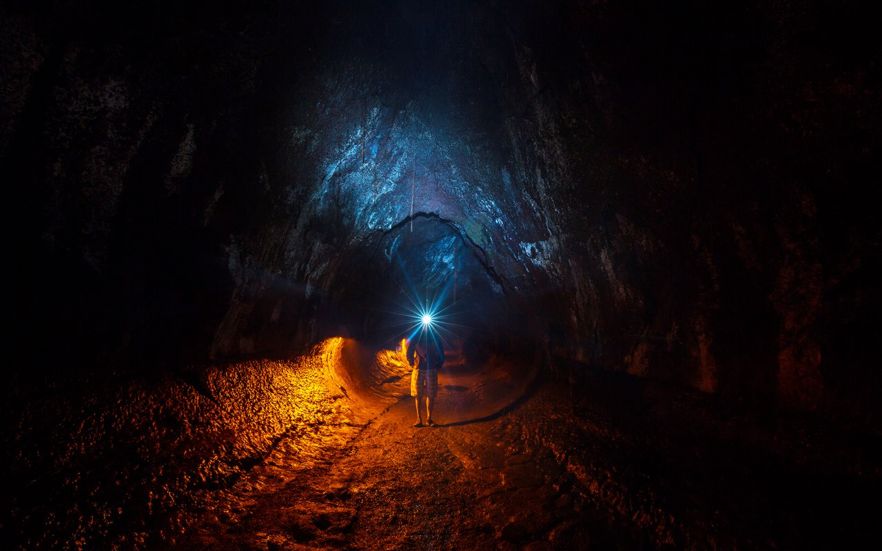 AWAYN IMAGE Explore the Thurston Lava Tube Cave Park