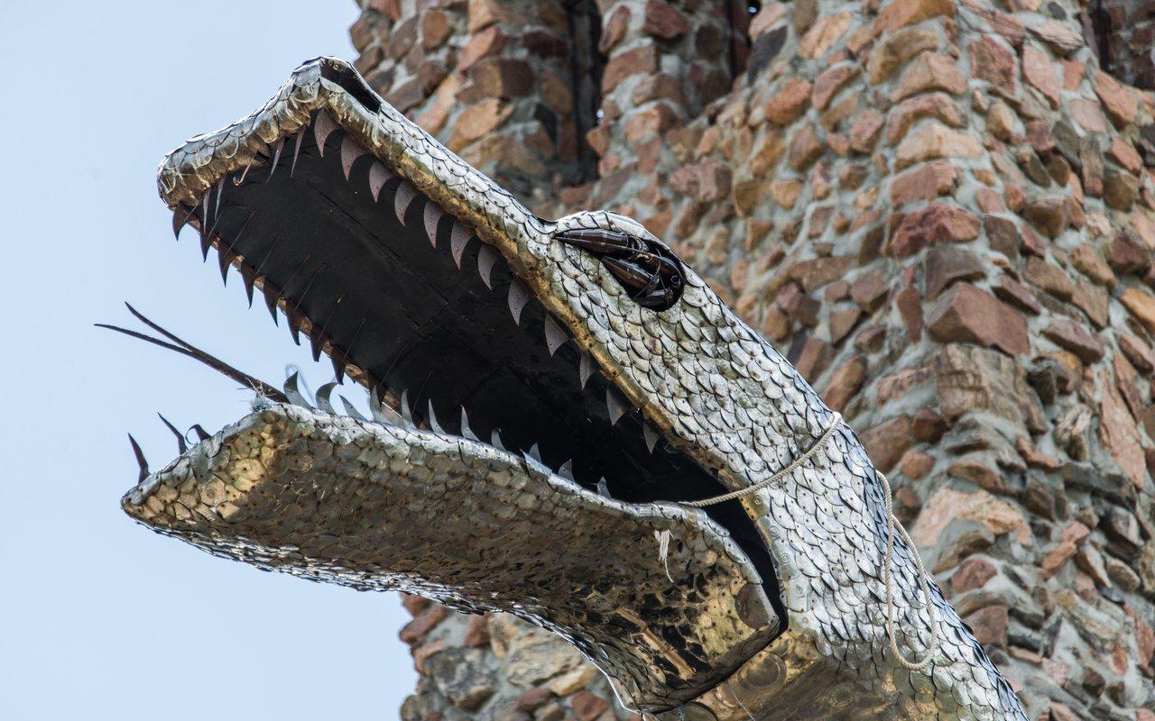 AWAYN IMAGE Bishop Castle in San Isabel National Forest