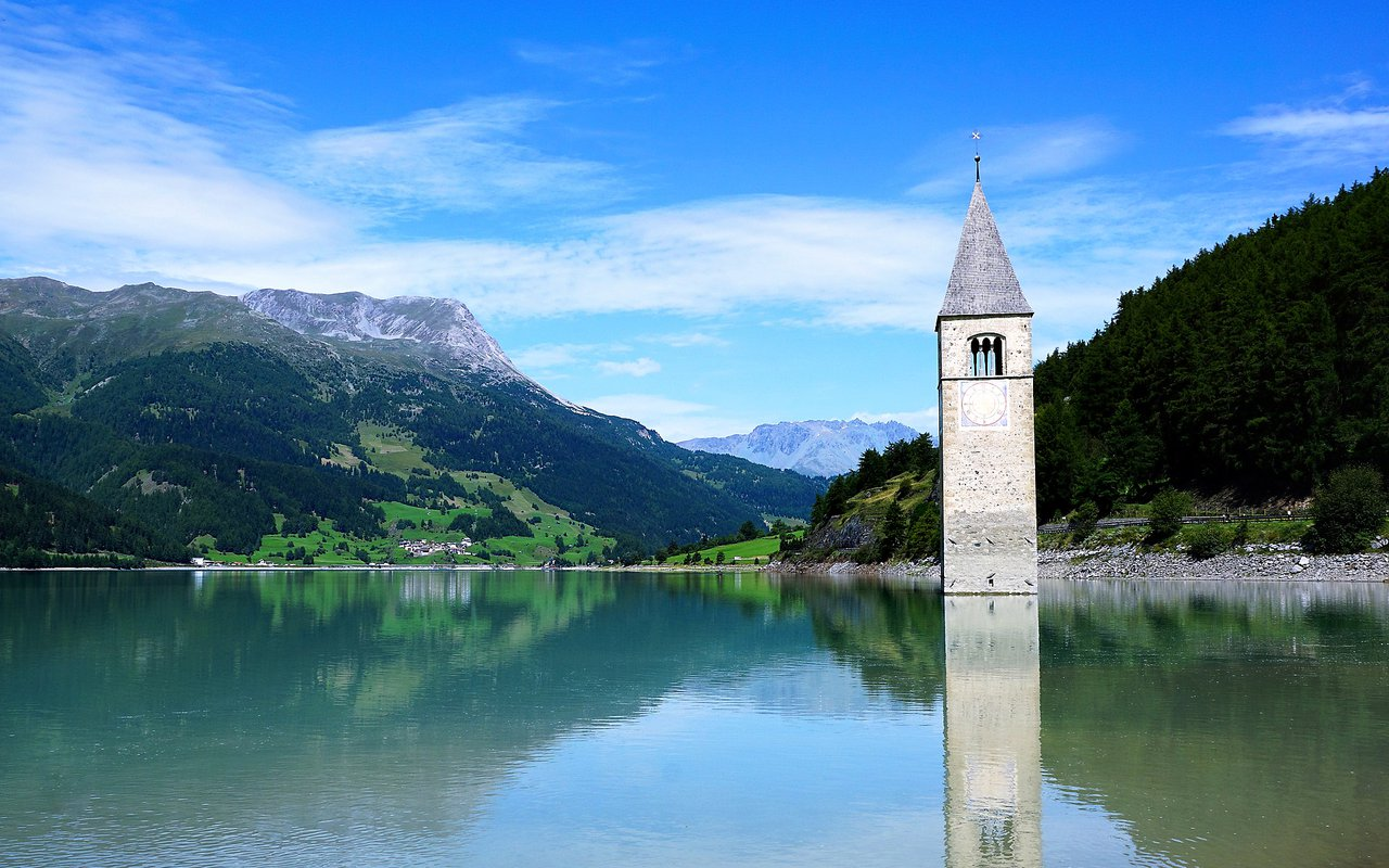 AWAYN IMAGE Hike and chill in Lake Resia (Lago di Resia) , The Sunken Town