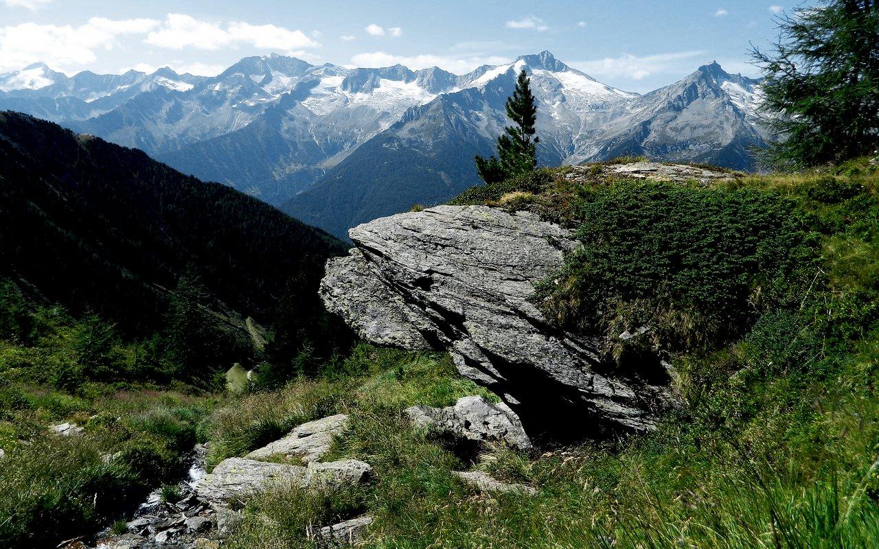 AWAYN IMAGE Hiking trip to Val Gardena