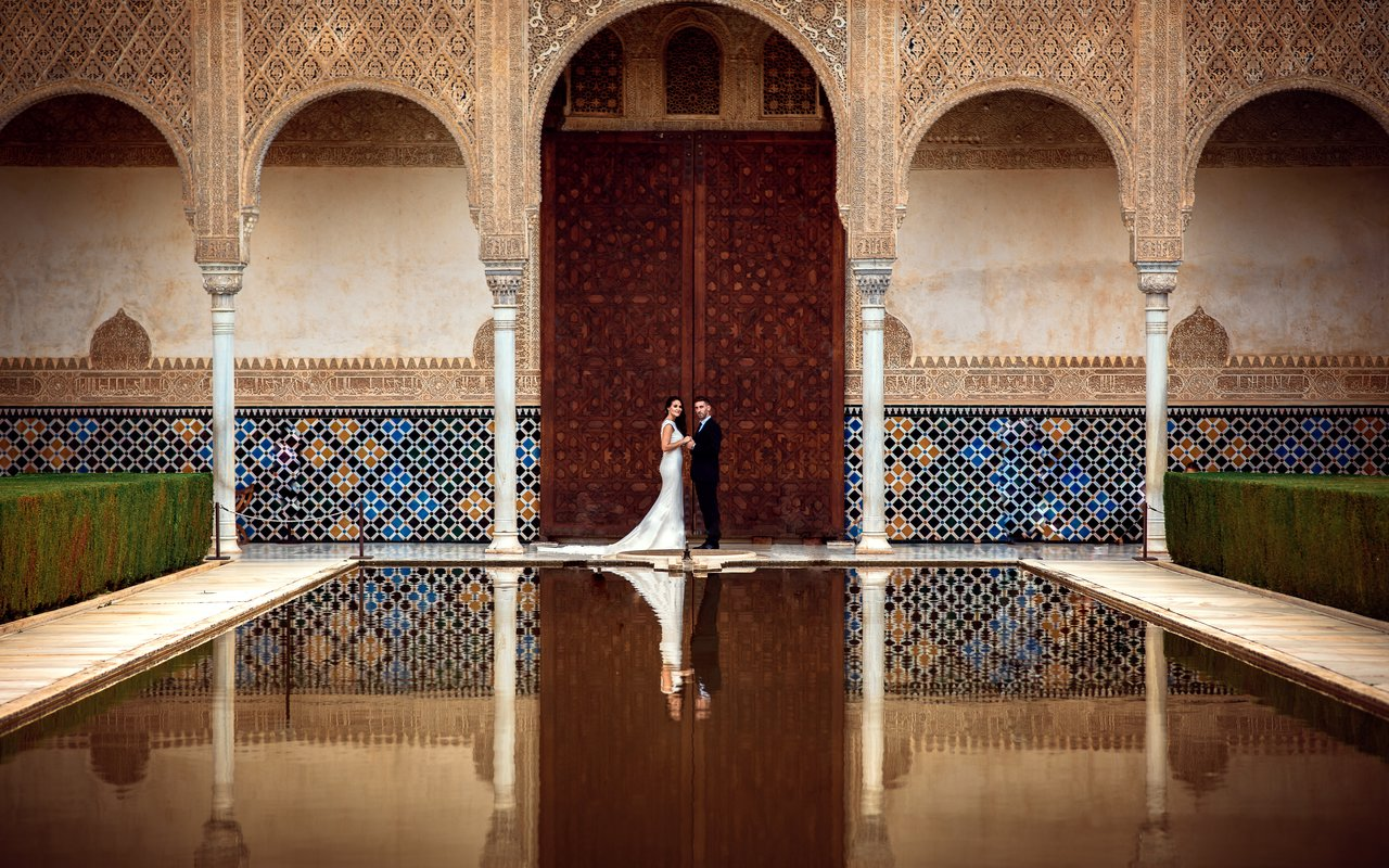 AWAYN IMAGE Take the most epic picture in Nasir Palace of Alhambra