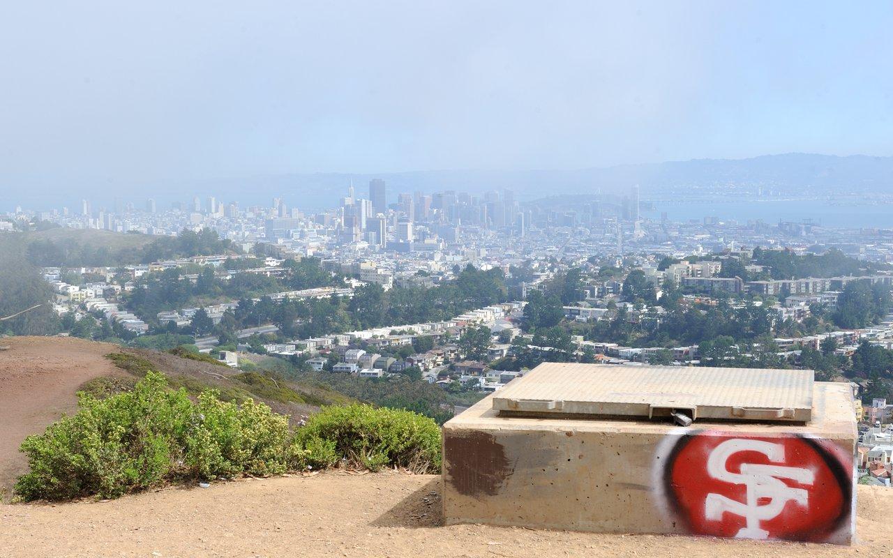 AWAYN IMAGE Hike to Mount Davidson, San Francisco