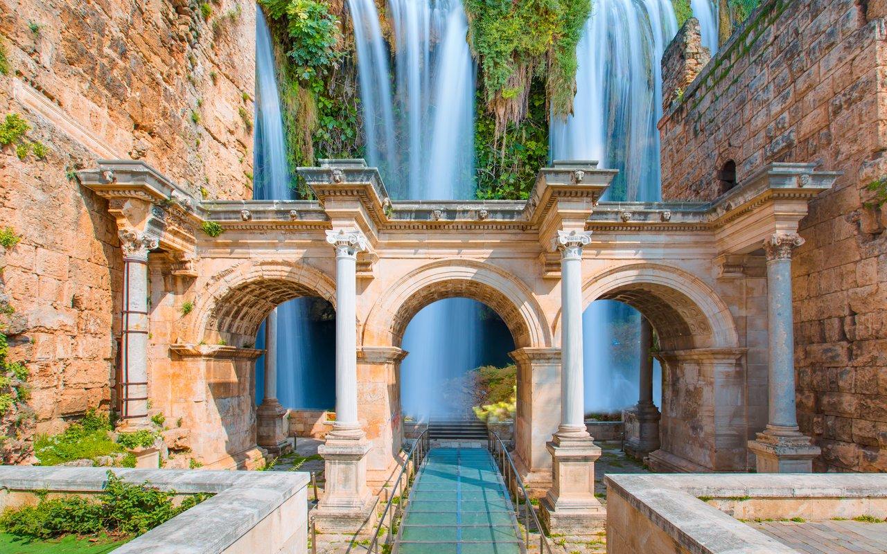 AWAYN IMAGE Spend a day around Duden waterfalls