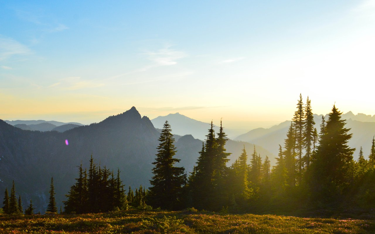 AWAYN IMAGE Hike Mount Pilchuck