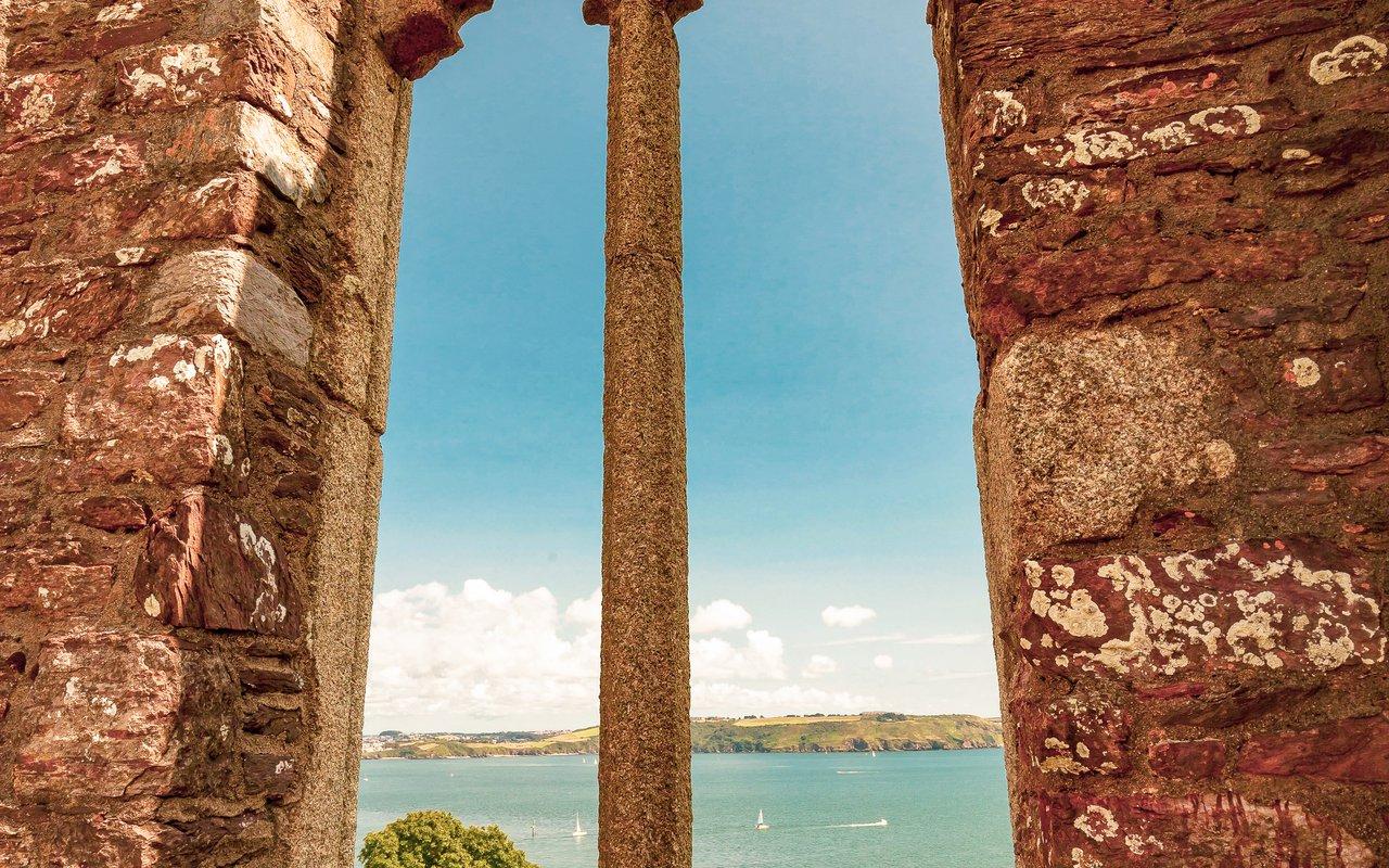 AWAYN IMAGE Scoglio Muginara Porto Venere