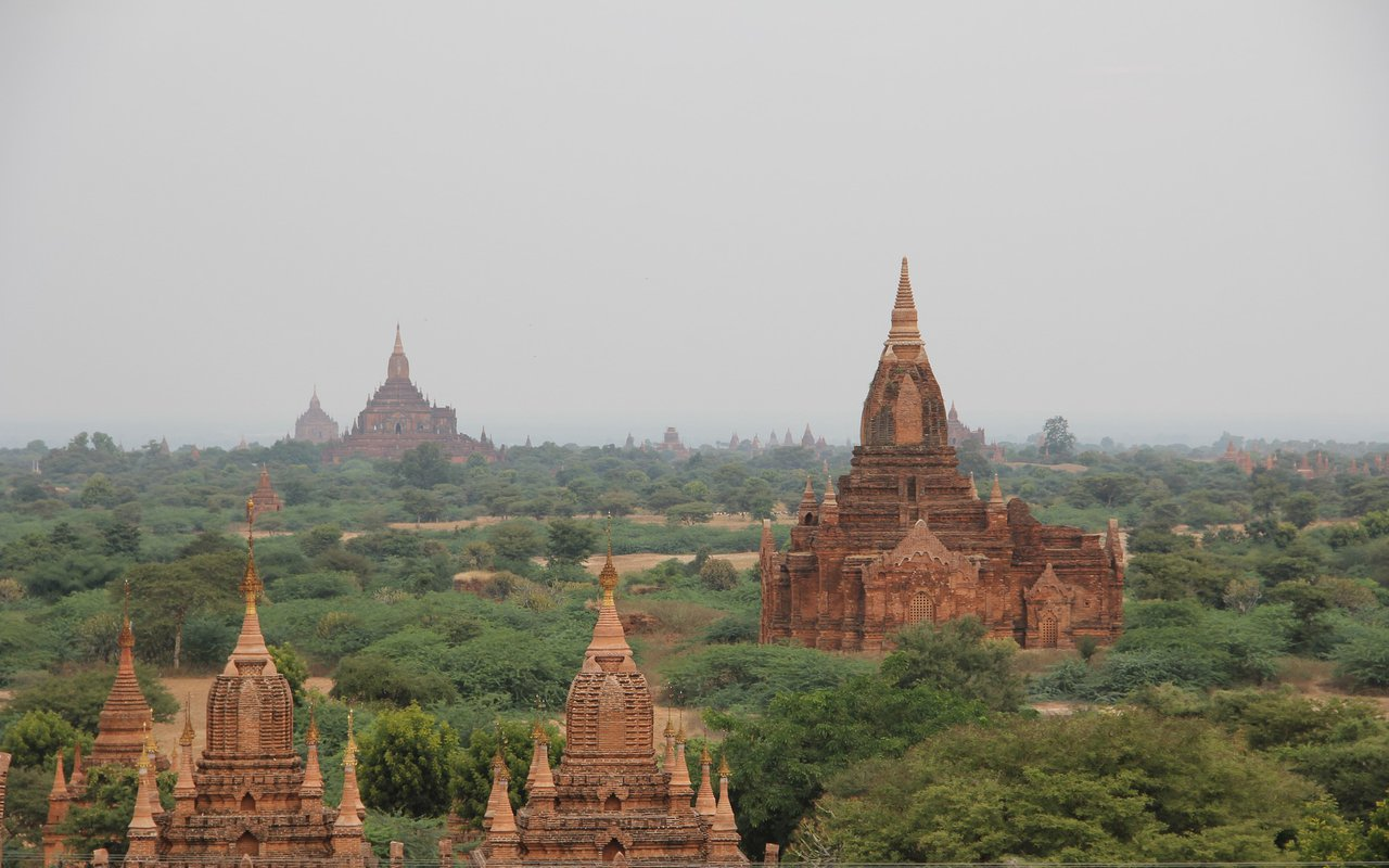 AWAYN IMAGE Visit the The ancient city of Bagan