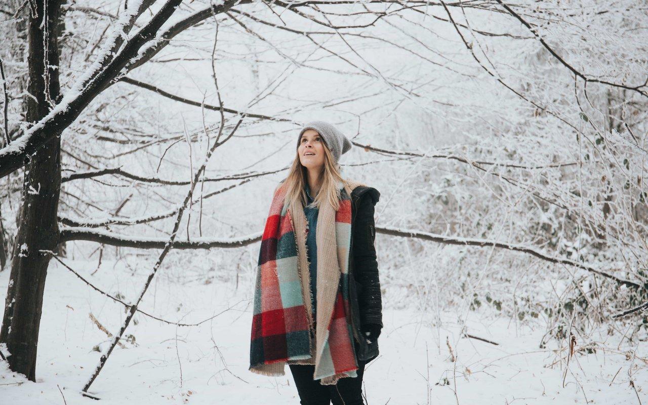 AWAYN IMAGE Marbel Falls Hike in Winter