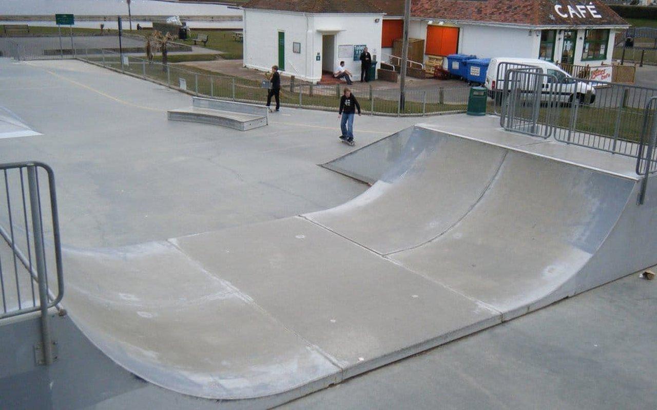 AWAYN IMAGE Hove Lagoon Skatepark