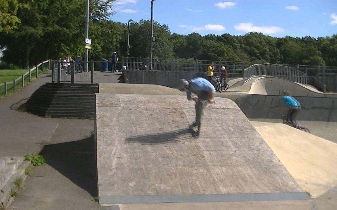 AWAYN IMAGE Crawley Skatepark