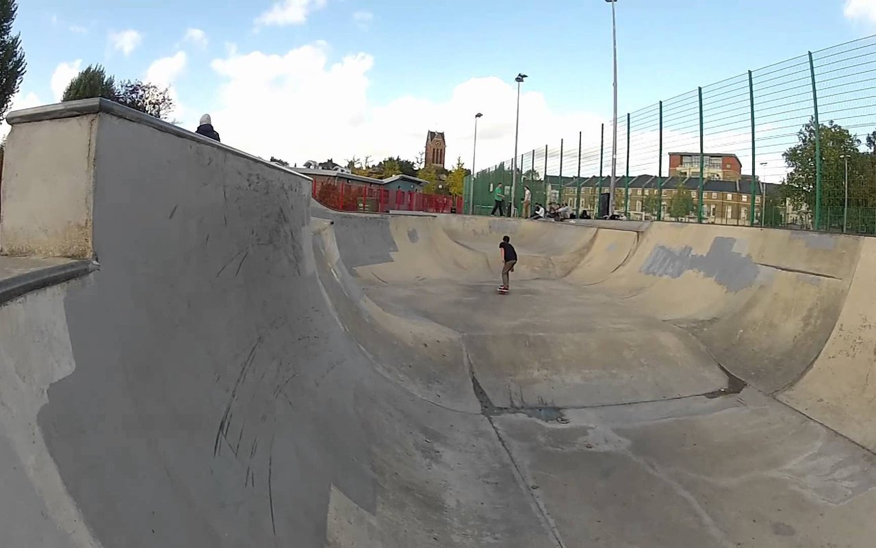 AWAYN IMAGE Cantelowes Concrete Bowl and Skatepark