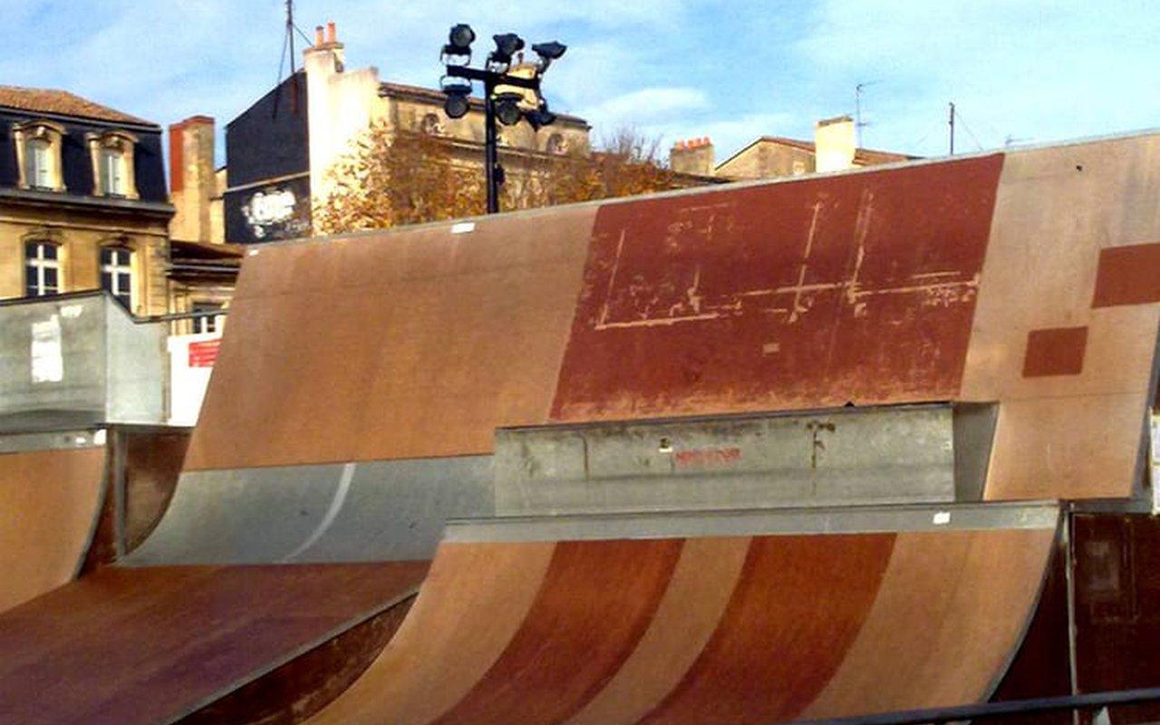 AWAYN IMAGE Roller Skate Parc des Chartrons