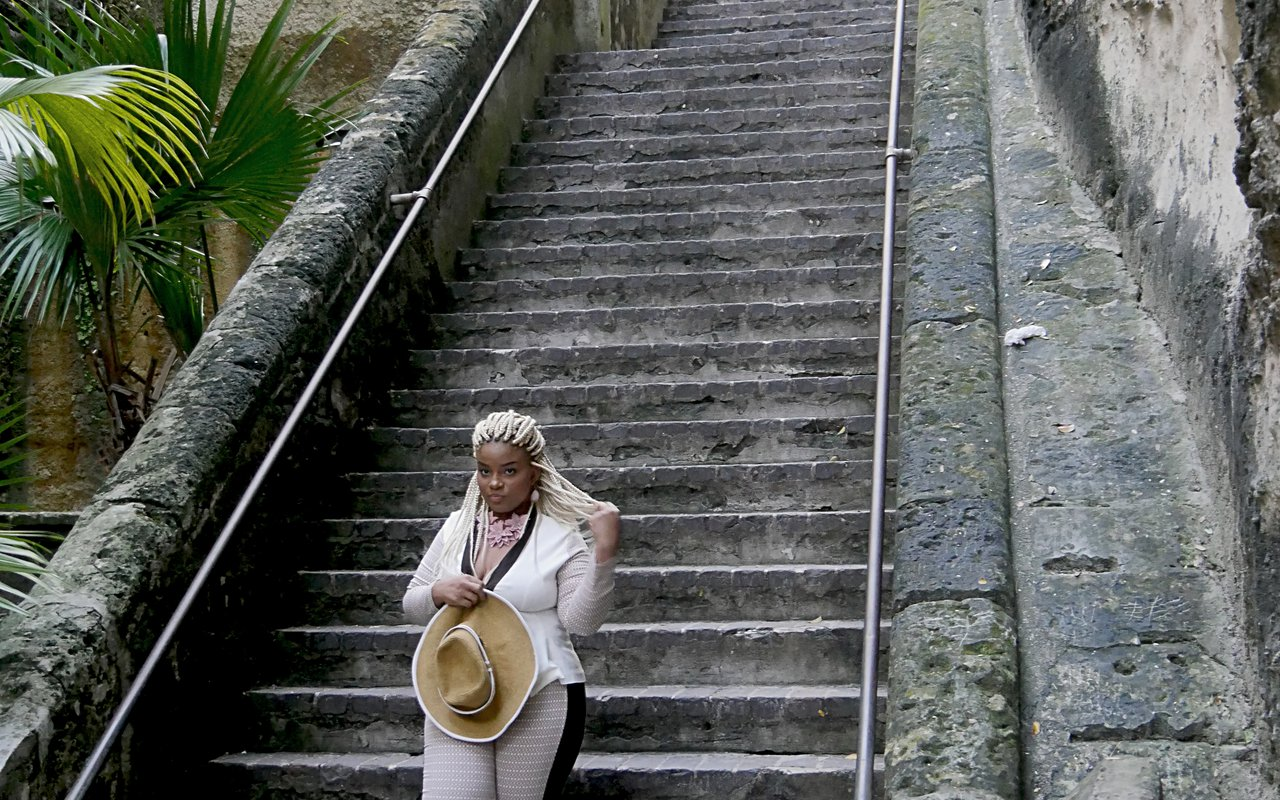 AWAYN IMAGE Queen's Staircase Bahamas