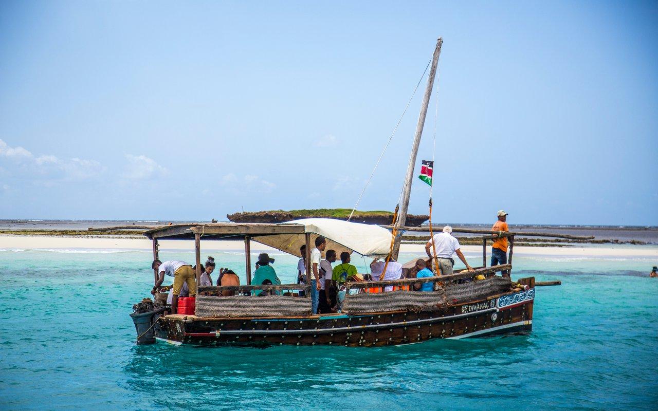 AWAYN IMAGE Explore the magnificent Wasini Island