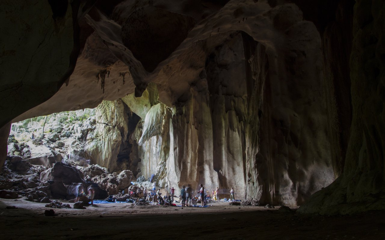 AWAYN IMAGE Camp over night at Gua Telinga
