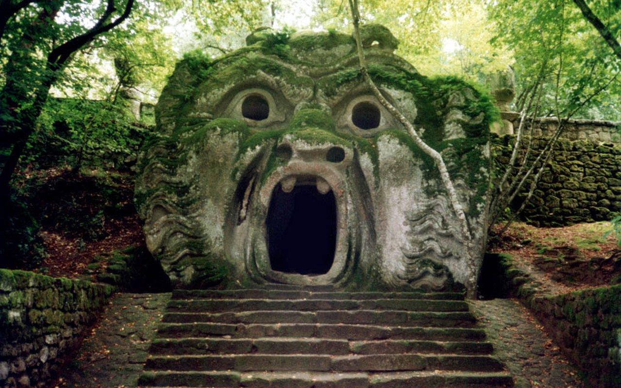 AWAYN IMAGE Parco dei Mostri