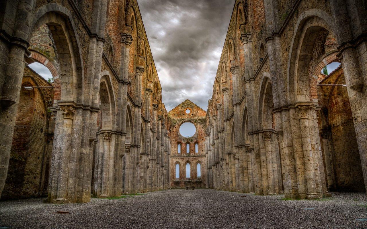 AWAYN IMAGE Visit Abbey of San Galgano