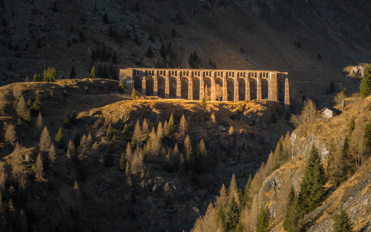 AWAYN IMAGE Ruins of Gleno dam