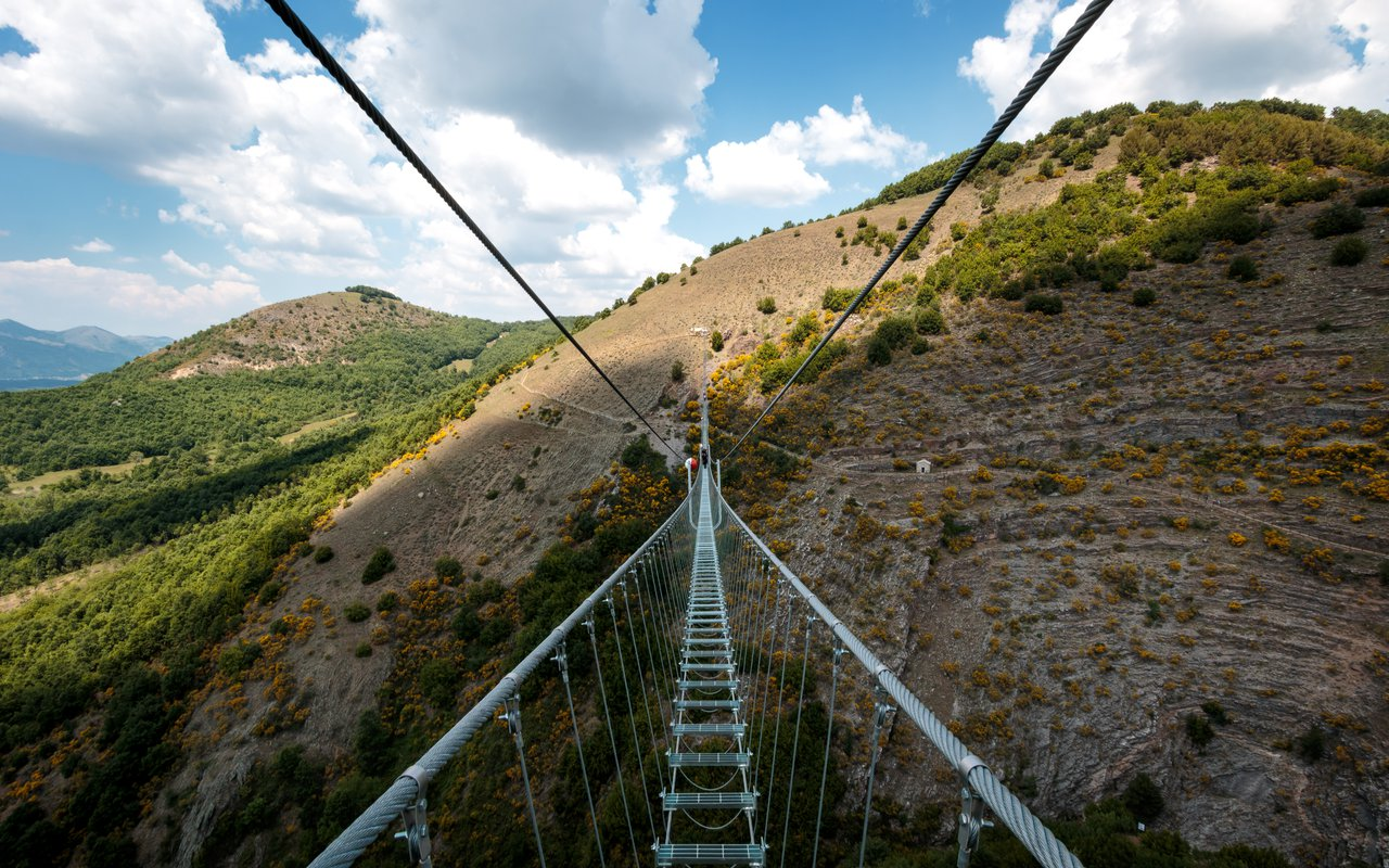 AWAYN IMAGE Walk on Tibetan bridges of Ponte alla Luna