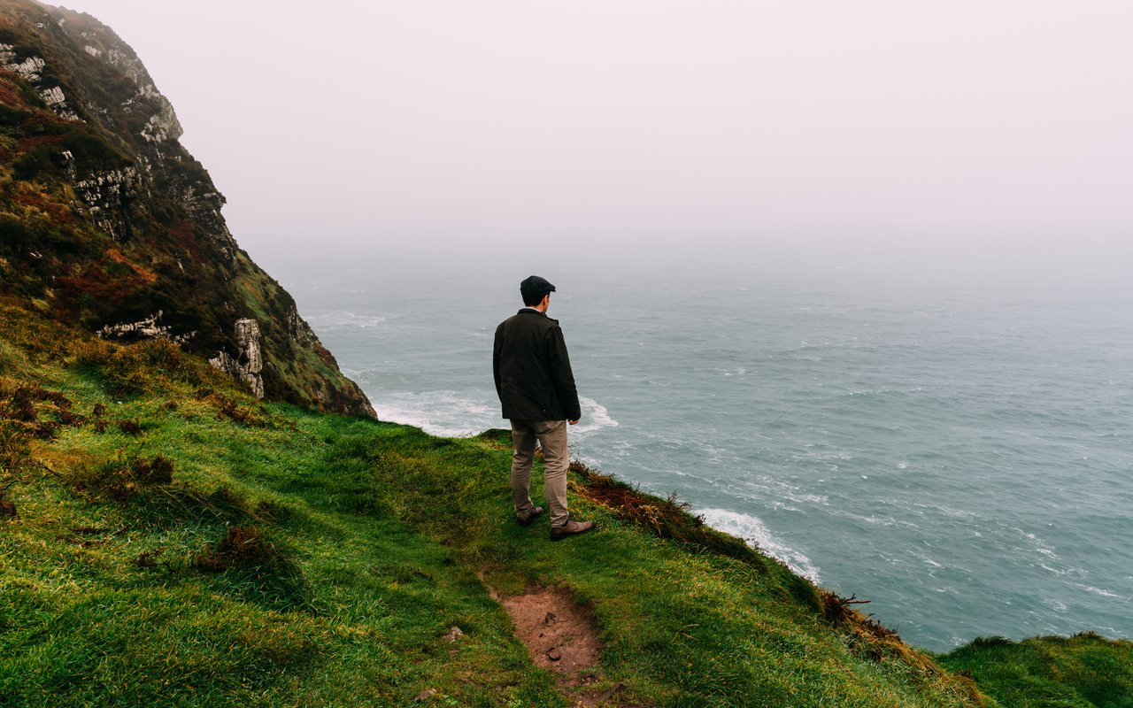 AWAYN IMAGE Hiking in Ring of Kerry