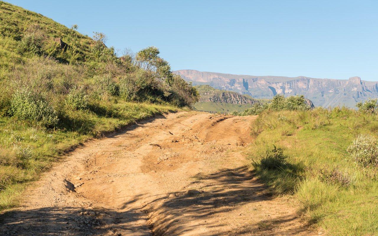 AWAYN IMAGE Hike Drakensberg uKhahlamba-Drakensberg Park
