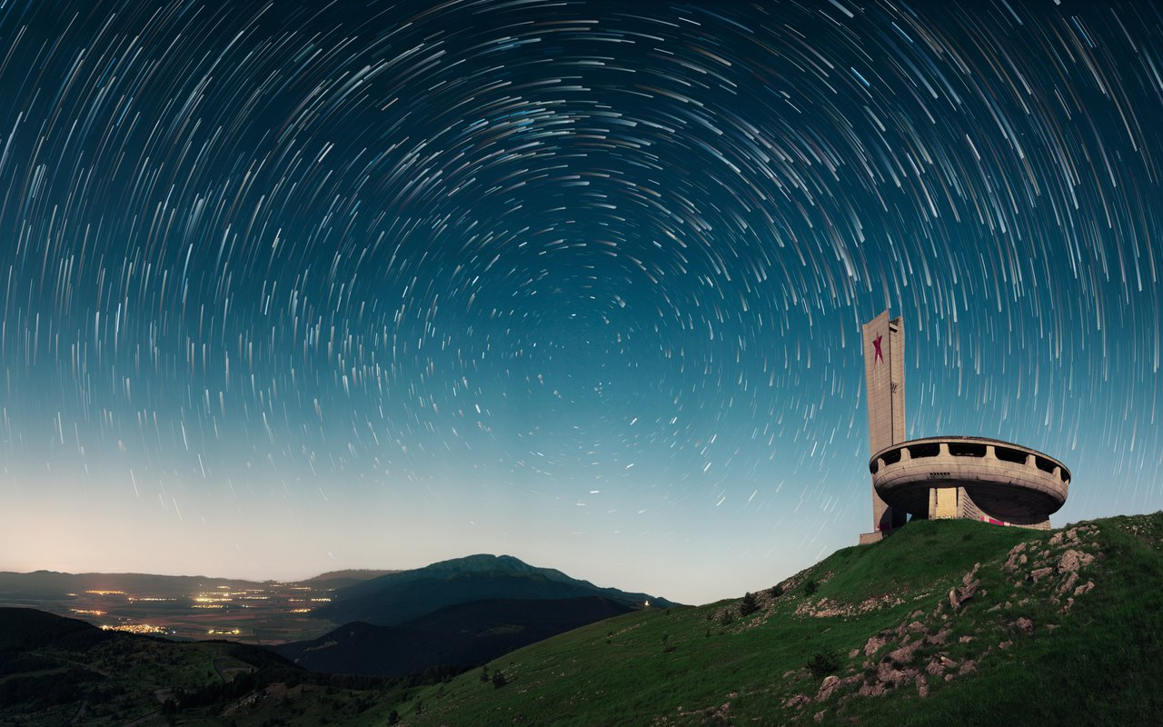 AWAYN IMAGE Explore the Buzludzha Monument