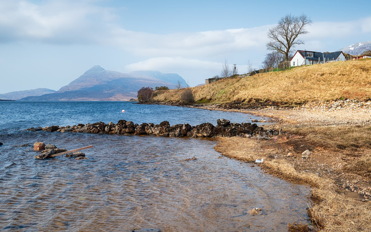 AWAYN IMAGE Loch Assynt