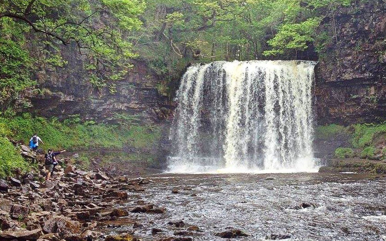 AWAYN IMAGE Four Waterfalls Walk
