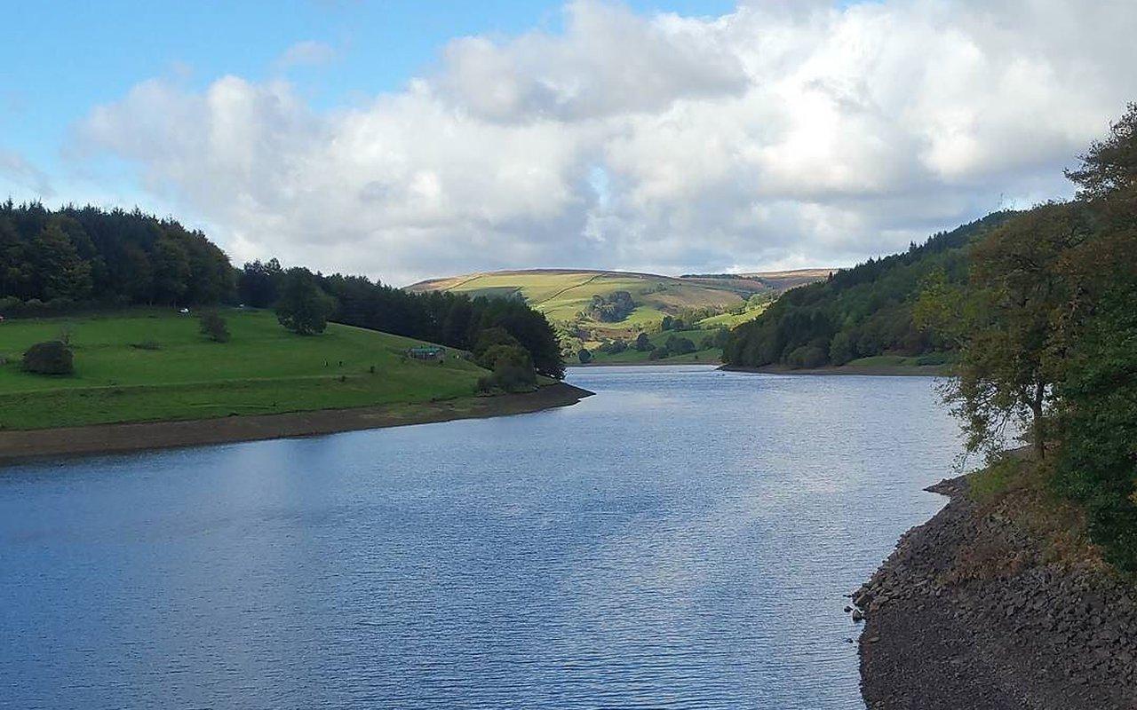AWAYN IMAGE Ladybower Reservoir