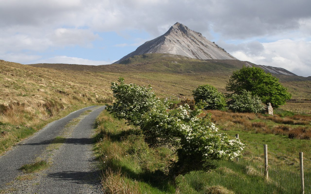 AWAYN IMAGE Northern Headlands of Donegal magnificent hikes