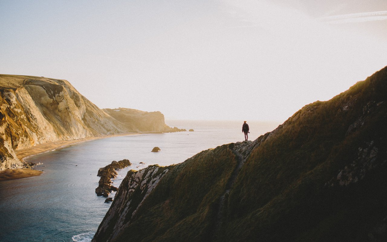 AWAYN IMAGE Visit Lulworth Cove and Durdle Door United Kingdom