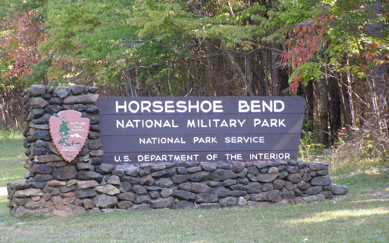 AWAYN IMAGE Learn about history in Horseshoe Bend National Military Park