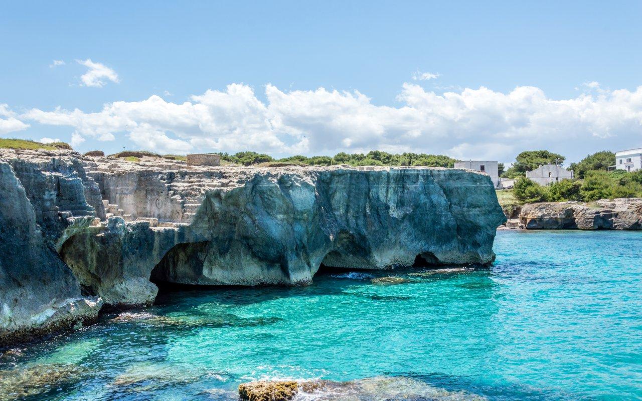 AWAYN IMAGE Div in the blue waters Grotta Della Poesia