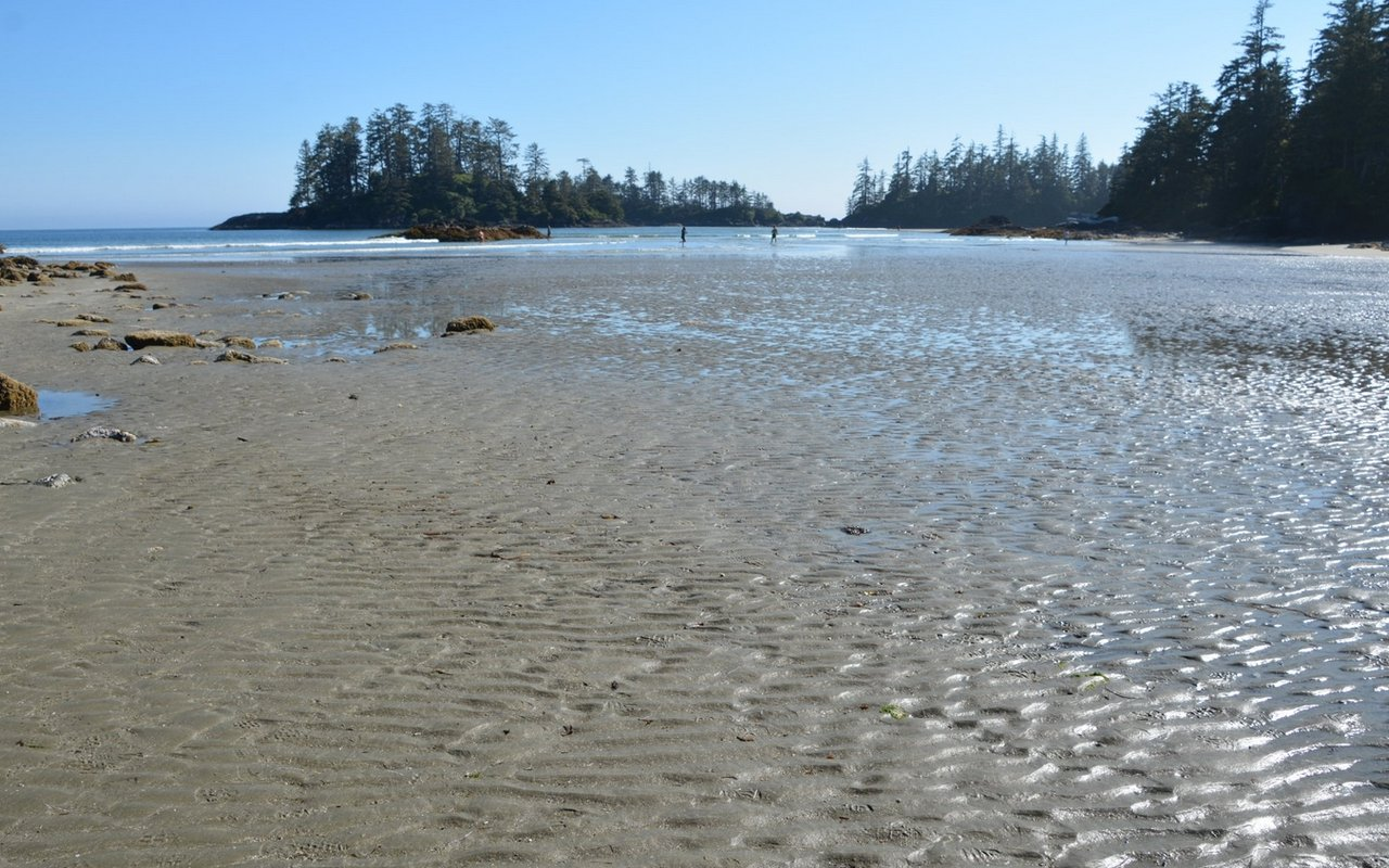 AWAYN IMAGE Schooner Cove BC