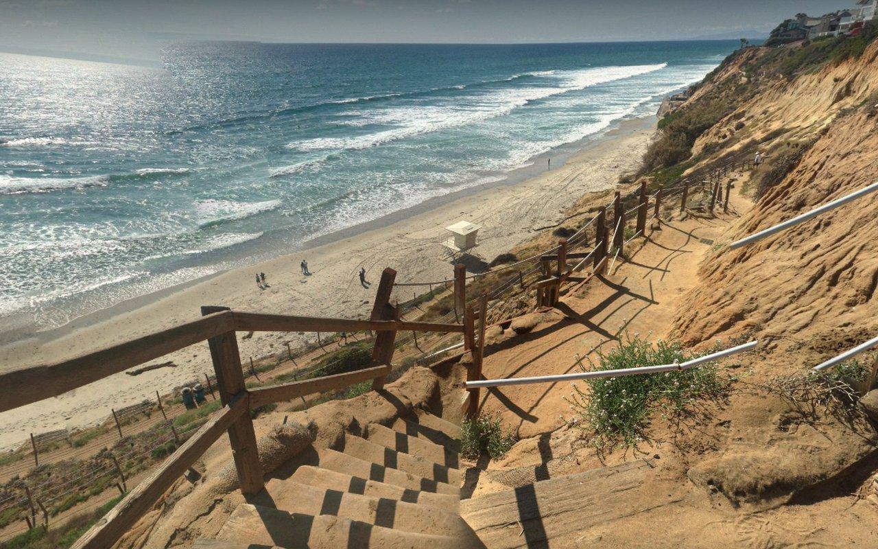 AWAYN IMAGE Summer Surf Leucadia State Beach