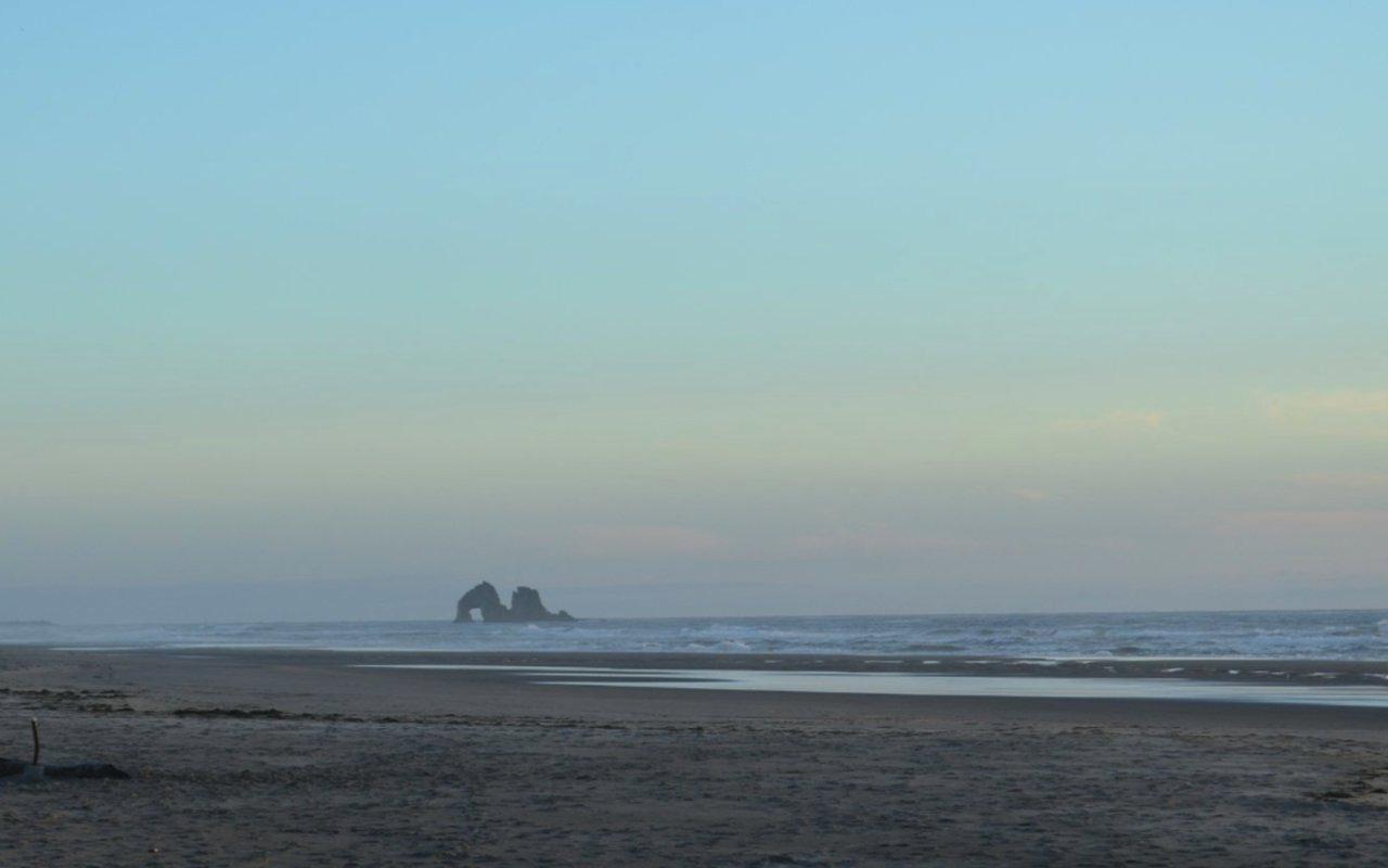 AWAYN IMAGE Rockaway Beach Wayside