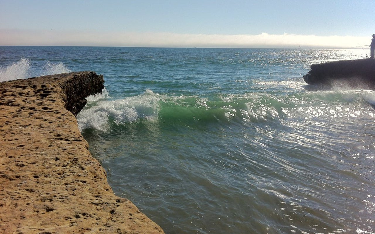 AWAYN IMAGE Surf in Sunny Cove Beach