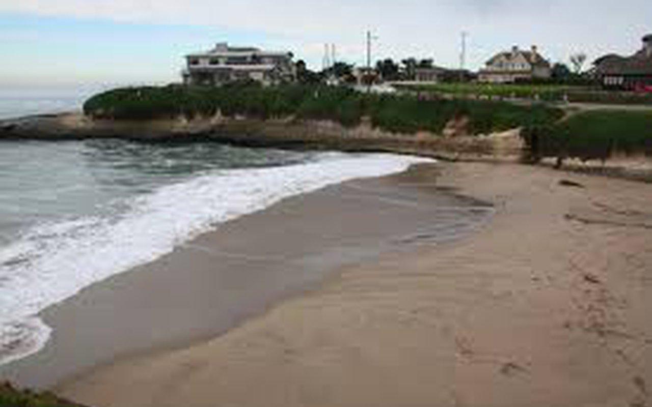 AWAYN IMAGE Sunny Cove Beach