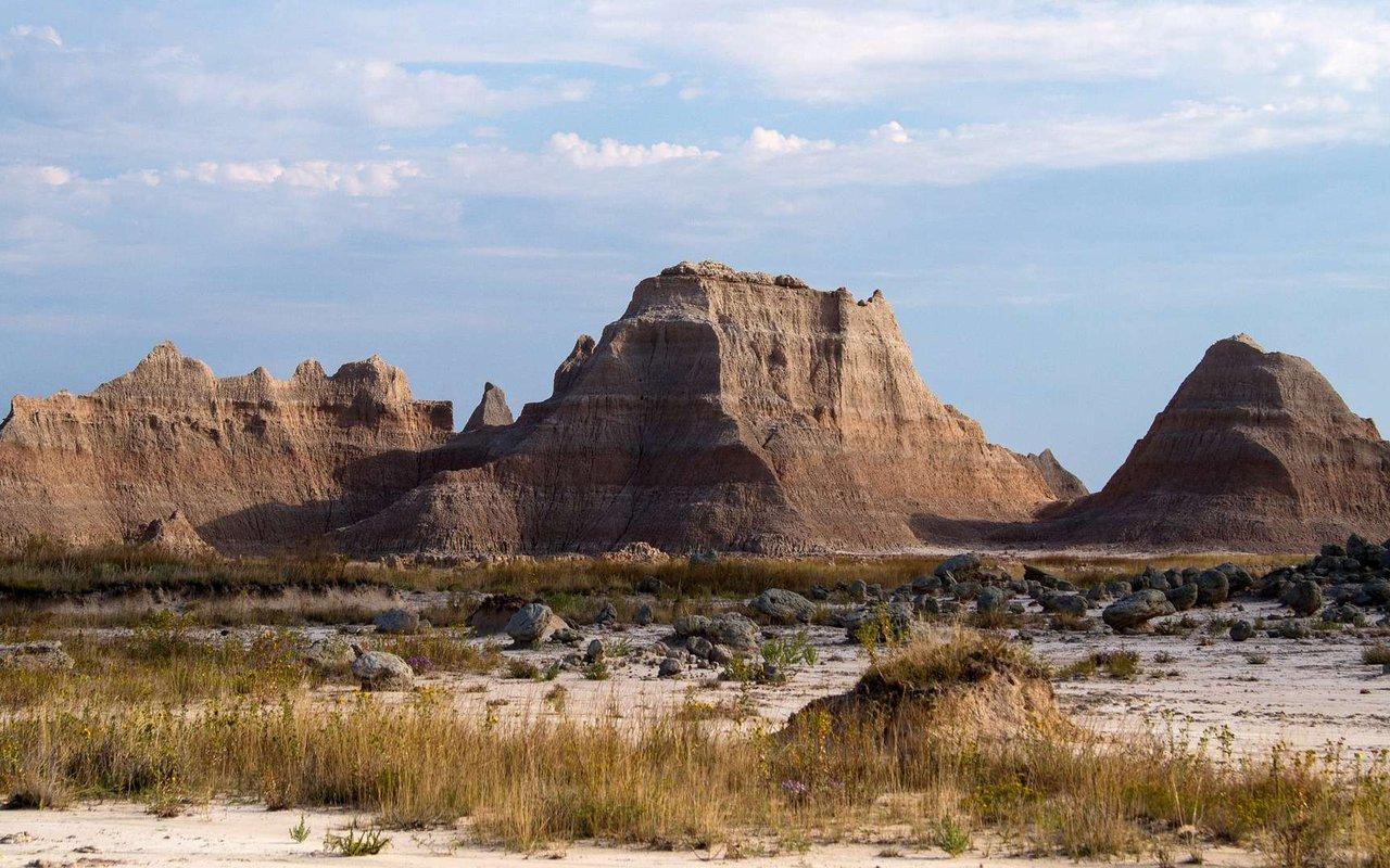 AWAYN IMAGE Badlands national park camping