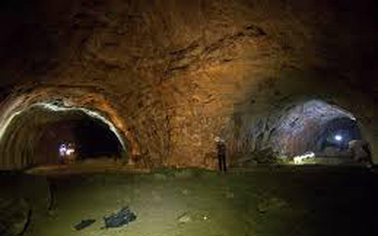 AWAYN IMAGE Lava River Cave