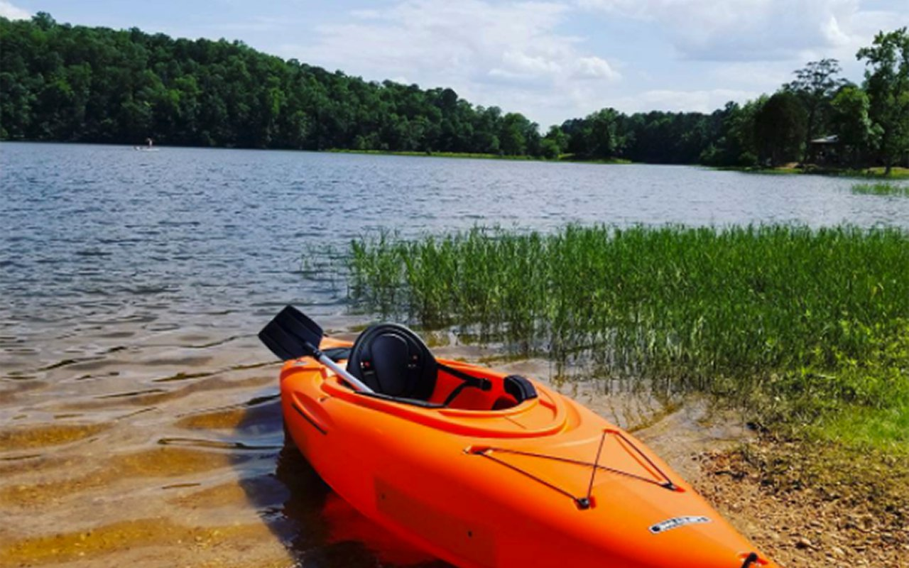 AWAYN IMAGE Cliff Jump and Kayak at Lake Nicol