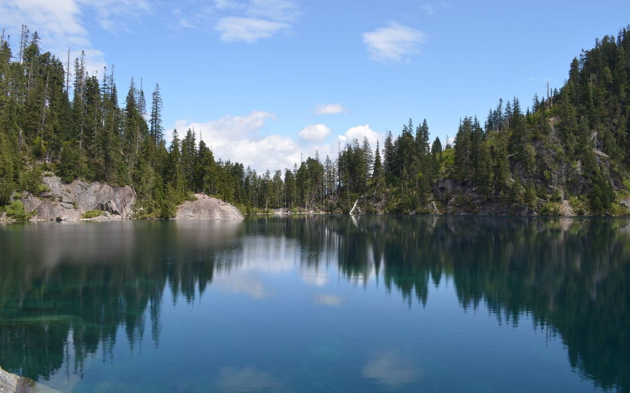 AWAYN IMAGE Lake Serene Trail
