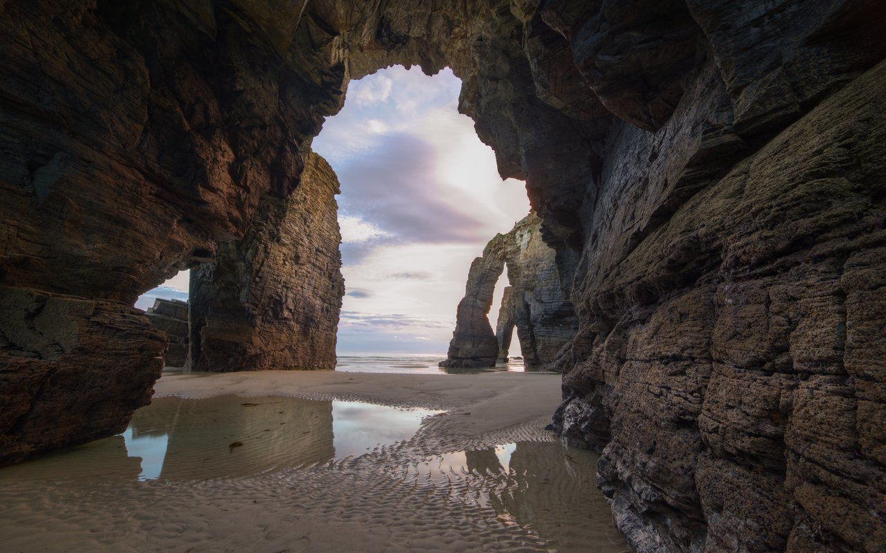 AWAYN IMAGE Beach of the Cathedrals in Ribadeo