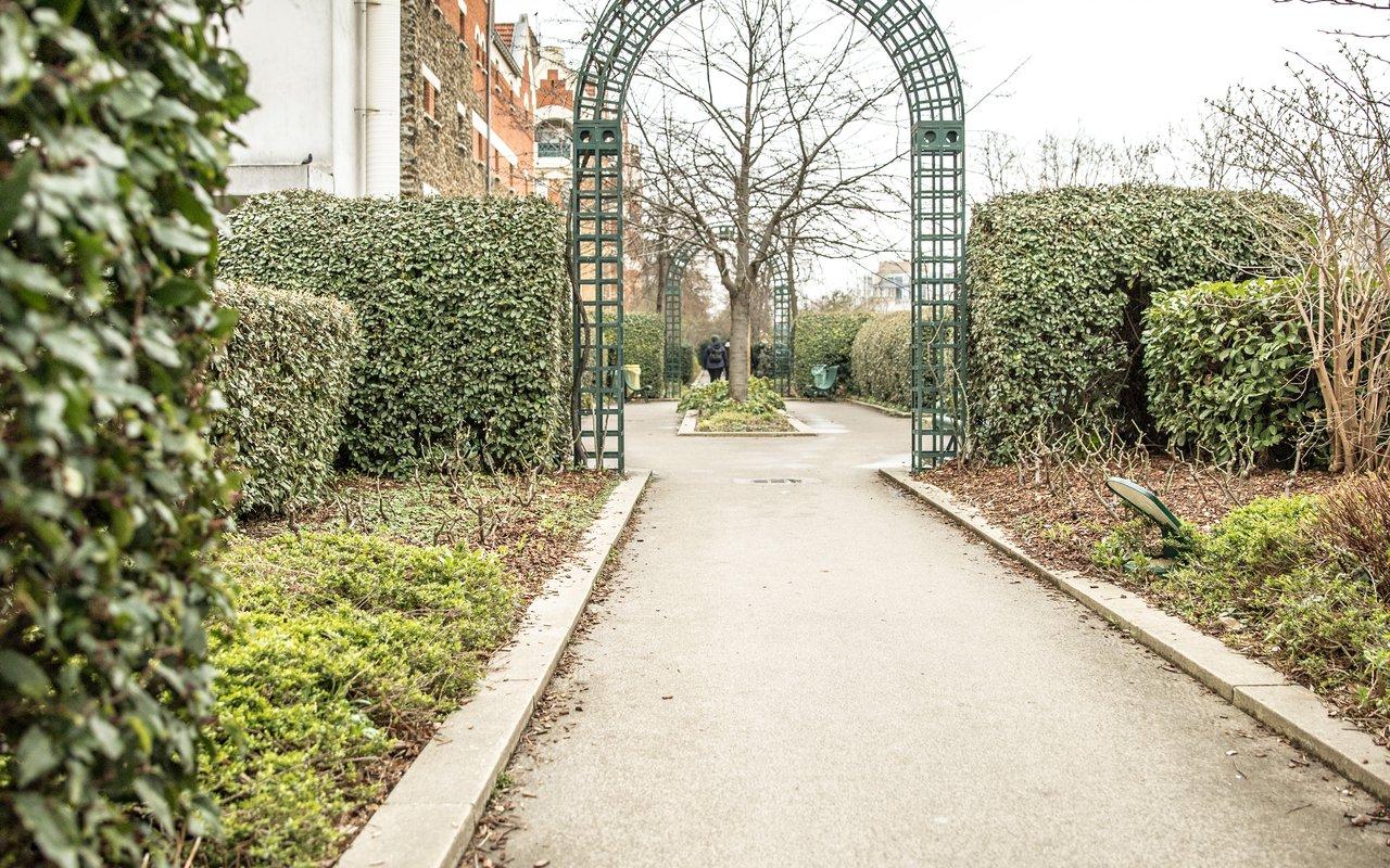 AWAYN IMAGE La Promenade Plantée