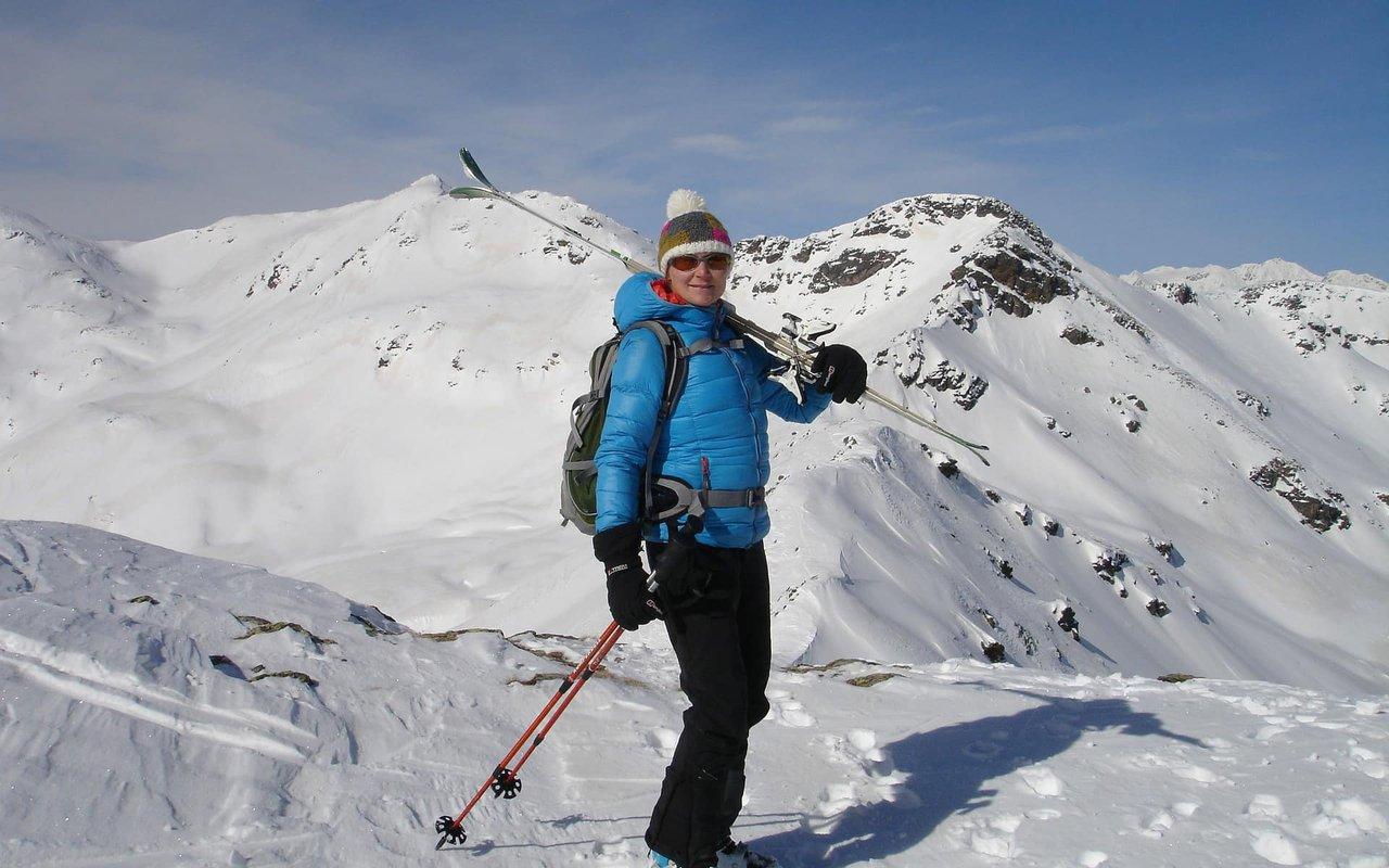 AWAYN IMAGE Cross country skiing with Ortler mountain ski tour
