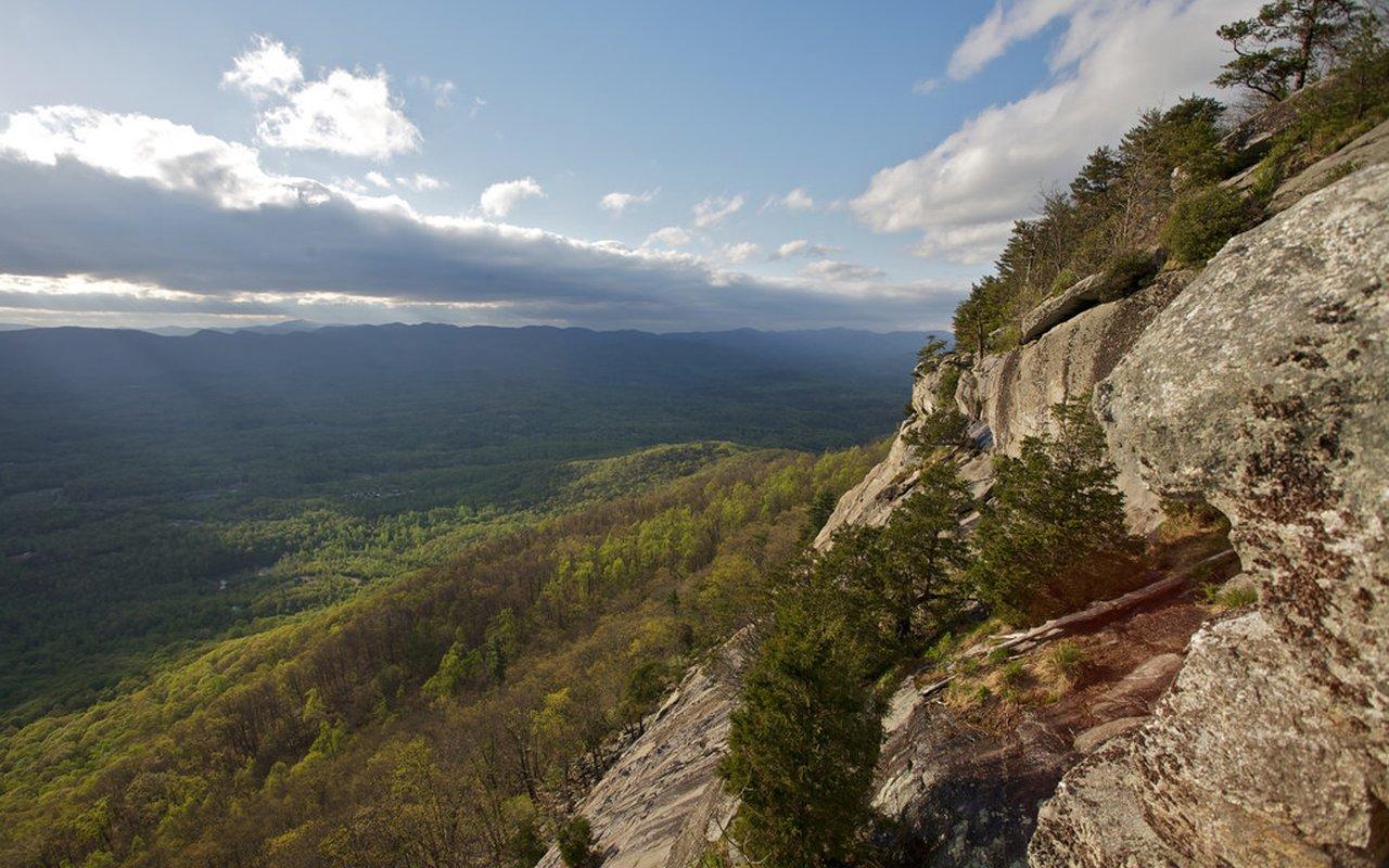 AWAYN IMAGE Yonah Mountain