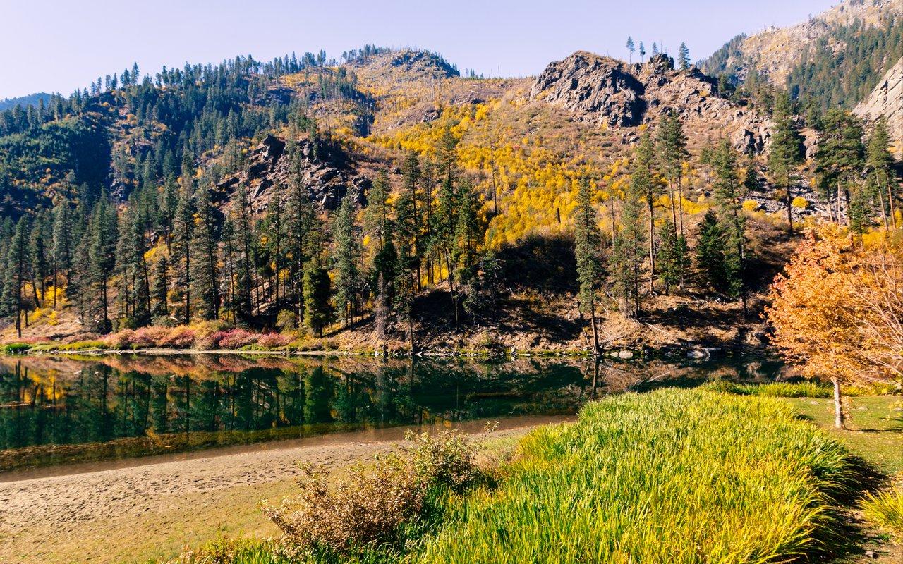 AWAYN IMAGE Lake Wenatchee
