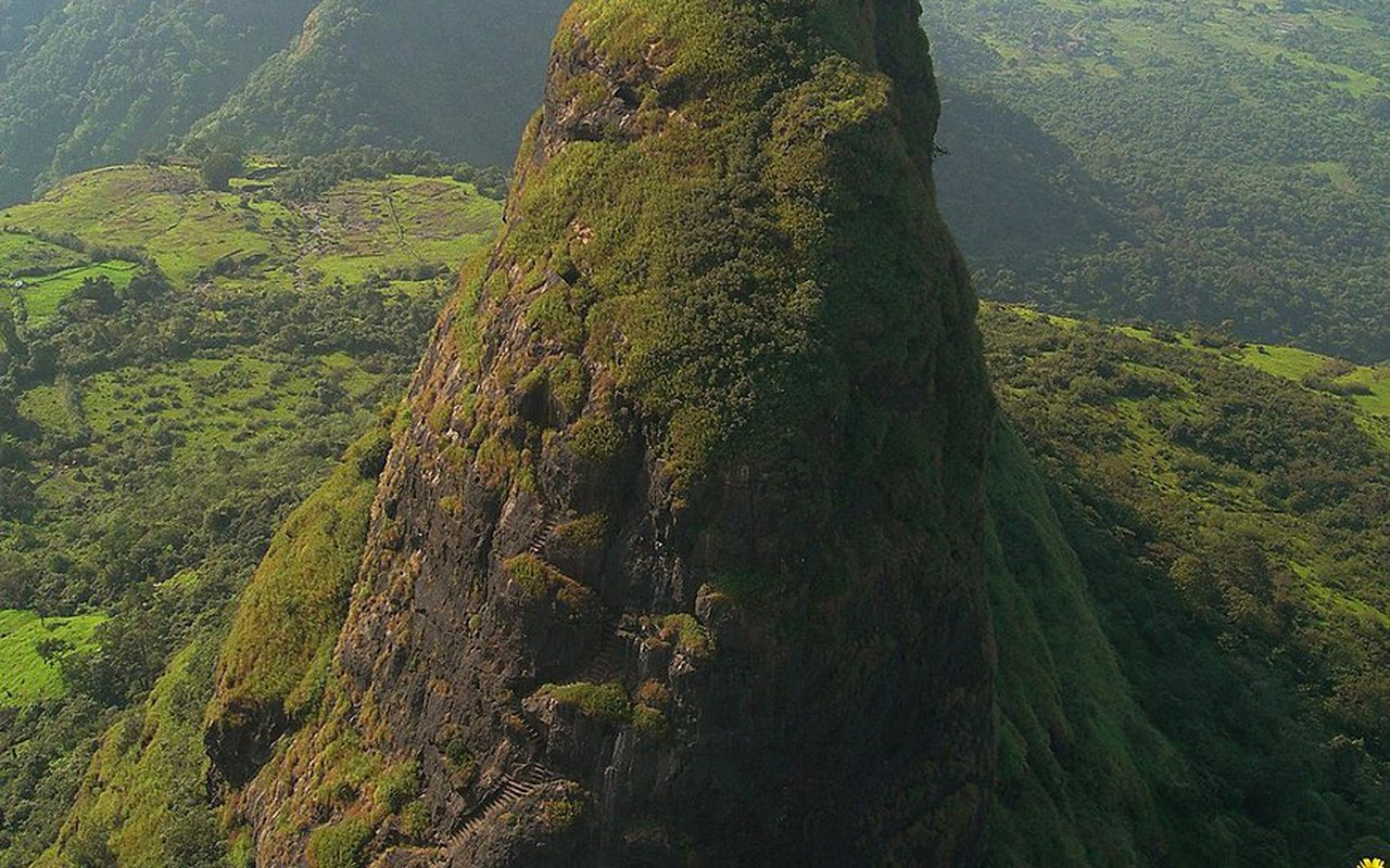 AWAYN IMAGE Kalavantin Durg The World's Most Dangerous Fortress