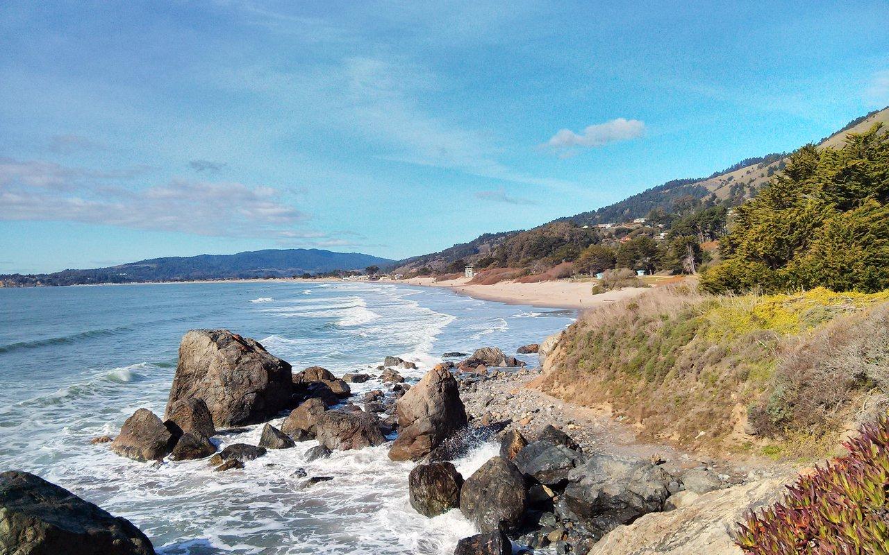AWAYN IMAGE Stinson Beach Trail